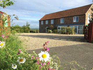 Lovely Peaceful Cottage | 15 Mins Walk To Filey Beach or Town | Parking