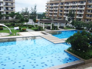 3 Bedroom Unit near Airport and The Fort - BGC, Taguig City