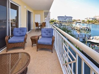 Bay Harbor 303 - Gorgeous 3rd Floor 3 BR Condo with Great Balcony and Views!, Clearwater