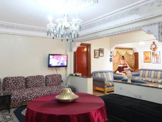 Big Apart. & Free Airport Transfer & Free Wifi, Marrakech