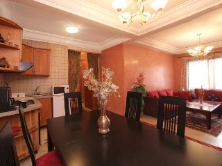 Luxury Apartment in the center & 2 bedrooms & Wifi, Marrakesch