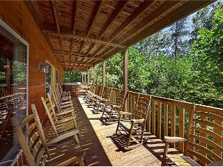 7 Bedroom Cabin - Sleeps 34 - Mountain View, Sevierville