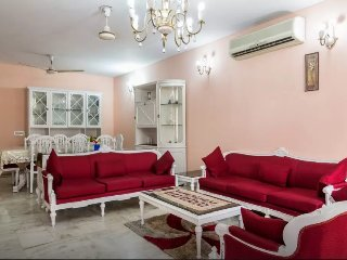 Neat & Clean apartment in South Delhi, with cook