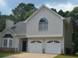 Beautiful House in Beautiful Neighborhood near Atl, Conyers