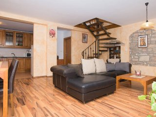 Big Cozy Apartment Stancija Rosello, Novigrad