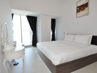 Cayan Holly, Cosy 2BR with Great Marina view, Dubai