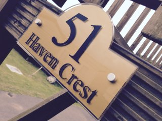 51 Haven Crest Lydstep Beach Tenby Platinum Holiday Home