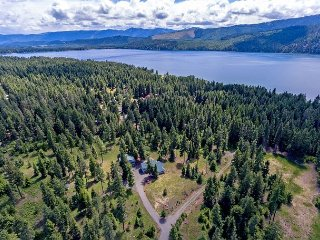 Bear Creek Retreat! 22 Acres on Lake Cle Elum | Slps 14