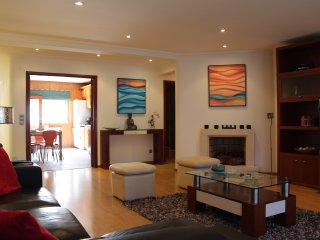 Nazare - 50 meters from beach! 3-bedroom apartment, Nazaré