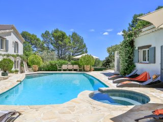 Superb Property in the Var, 12 pax, 5 bedrooms.