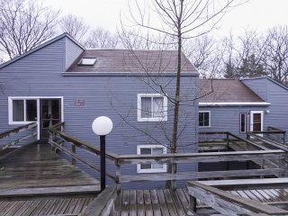4bed/2 bath /Waterville Estates Condo 2049 sq ft