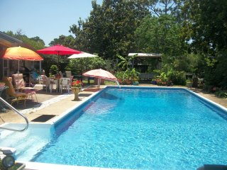 Poolside Paradise/ 2 bedrooms / Shared property