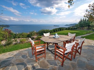 BEACH HOUSE IN AEGEAN ISLAND OF EVIA, Petries