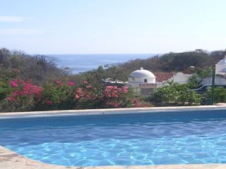 Best Value Ocean/Beach Front, 2 Bd/2 Bth, Sleeps 6, Huatulco