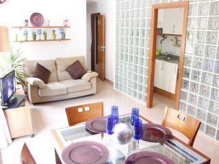 LOVELY APARTMENT NEAR BEACH, CLOSE CENTER BY METRO, Barcelona
