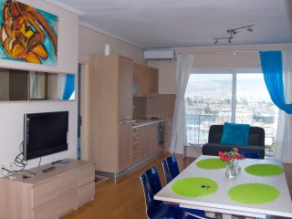 A Luxury Aparment - Maisonette with Sea View, Pireo
