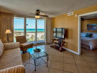 2BR Right on Pelican Beach, Gulf View, Spacious, Destin