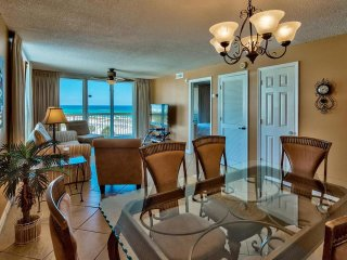 2BR Direct Beach Front at Pelican, Great Balcony View, Spacious, Heated Pools