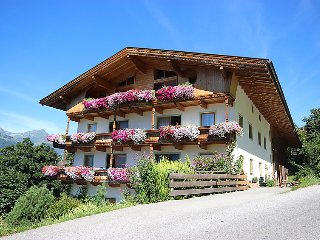 4 bedroom Apartment in Kaltenbach, Zillertal, Austria : ref 2295419