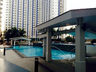 Modern & Cozy fully furnished 2 bedroom w/ Balcony