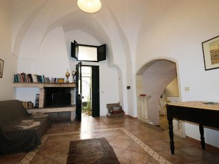 Holiday home La Pascalina in Tuglie in typical Salentina court just minutes fro