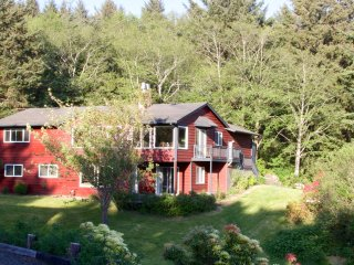 Fabulous Pet Friendly Getaway in Cannon Beach