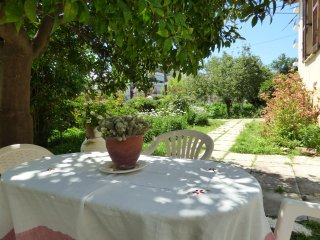 Magnificent residenc with garden next to the beach, Calamata