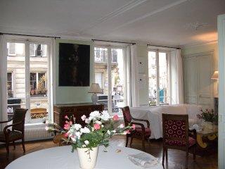 Un deux chambres de charme à Saint-Paul, París