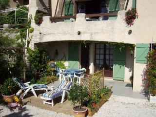 location T2 RDC Villa proche mer 4p HYERES