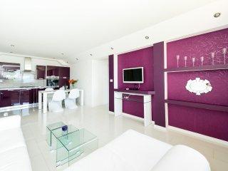 Bon Vivant Apartment 1 & Private Beach, Mlini