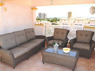 Penthouse, sea view apartment, free wifi, satellite tv, roof terrace