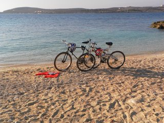 Great Location: FREE Gozo transfers, WIFI, Bicycles & BBQ  – NO car required!, Ghajnsielem