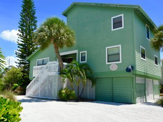 Boca Grande Beach Home (Pet Friendly)