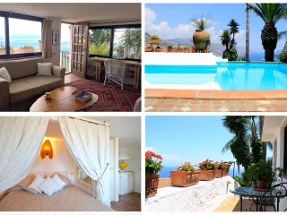 PANORAMIC SUITE with pool,  garden and view, Taormina