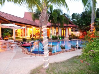 Relaxing Palm Pool Villa & Tropical Garden, Pattaya