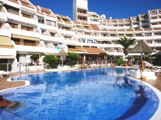 Studio, 100 m beach, HEATED swimming pool, TERRACE, Costa Adeje
