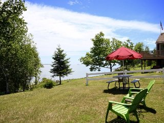 Sweet cottage with unrivaled ocean views, Owls Head