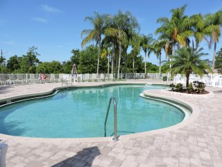 2 Br.-Villa in gated resort in Kissimmee, Fl.