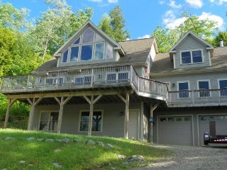 Luxury 4 bedroom home only 8 miles to Waterville Valley Resort!, Campton