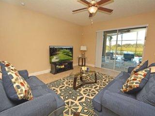 Deluxe 6 Bedroom 3.5 Bath Pool Home in Solterra Resort. 4413AC, Davenport