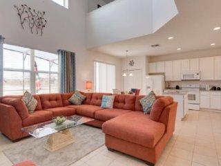 6 Bedroom 4.5 Bath Pool Home in Aviana Resort. 350CD, Davenport