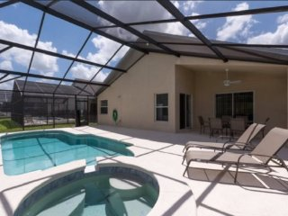 Beautiful 4 Bedroom 3 Bath Pool Home in Legacy Park. 735HPB, Davenport