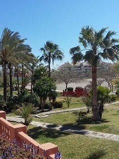 Marina and beach 10 minutes walk from accommodation