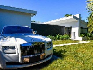 Beautiful Modern Miami Villa