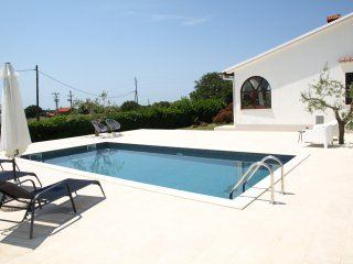 Aartment Nature with brand new swimming pool, Pula