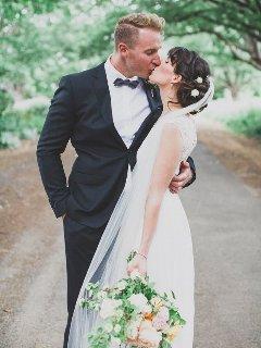 Romantic DIY wedding shots