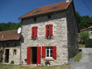Delightful, dog-friendly stone house in Creuse, Bourganeuf
