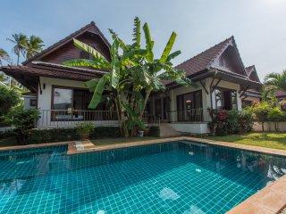 Banana Leaf Pool Villa, Taling Ngam