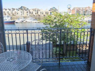 6 NAVIGATION WHARF waterfront property, next to marina, close to city centre in