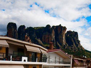 Room For 2 with a Beautiful View of Meteora